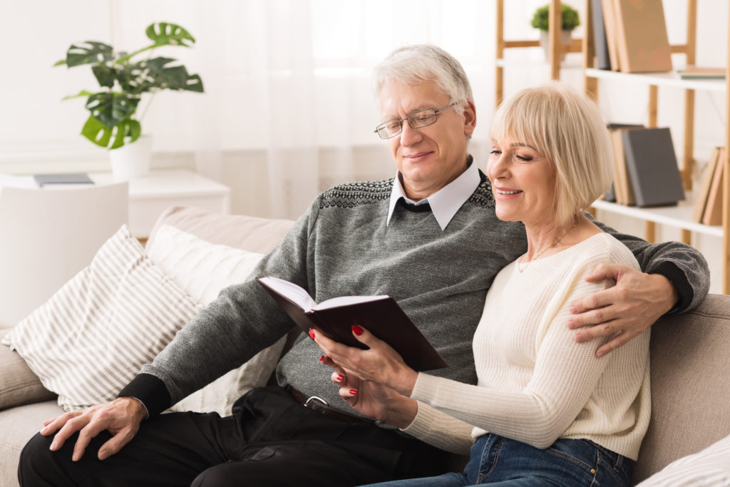 old couple living a healthy lifestyle without degenerative diseases